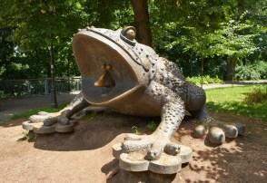 The frog at Volodymyrska hirka
