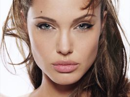 www.girls-hq.com_376t_angelina_jolie