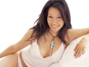 www.girls-hq.com_495_lucy_liu