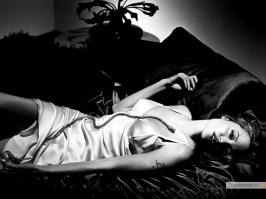 kinopoisk.ru-Angelina-Jolie-756112_1024