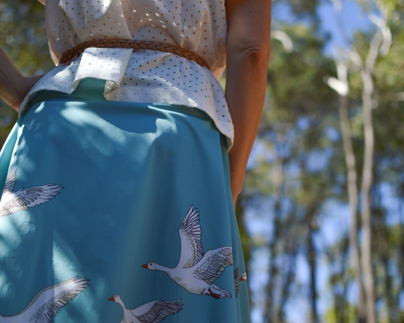 geese-in-fight-skirt