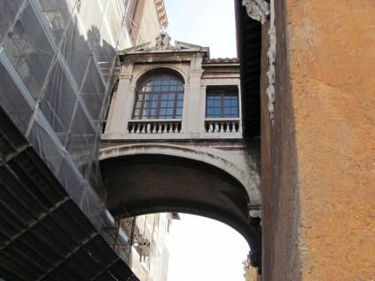 Side alley on Capitoline - bridge between buildings