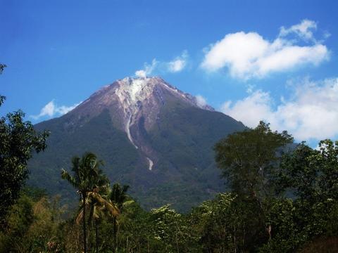 A lone peak-1