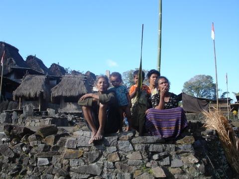 women in Bena-1