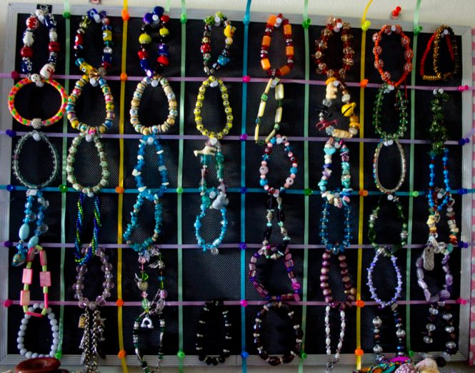knolling my bracelet collection using color order as an addition system