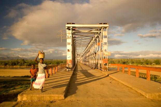 A bridge on the road to Ifotaka