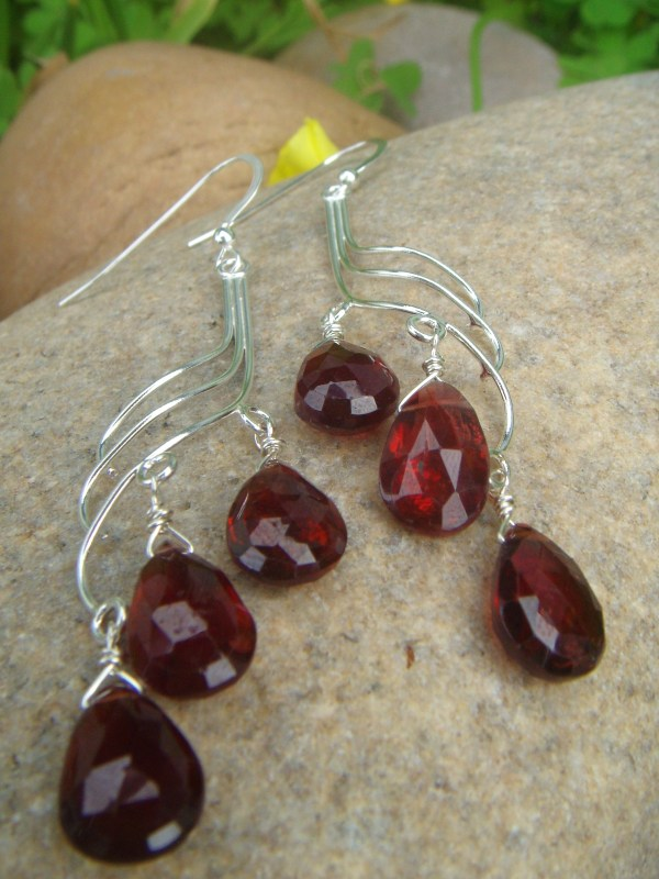 Garnet wave earrings
