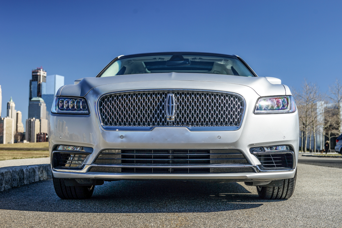 2017 Lincoln Continental Black Label Chalet Edition Grille