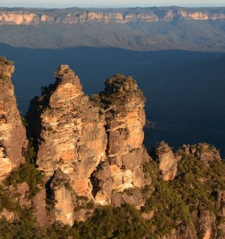 how to hike the blue mountains