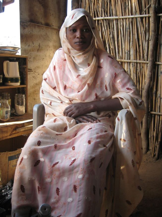 Woman at coffee stop in Sudan