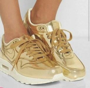 2nm38s-l-610x610-shoes-nike-nike+shoes-nike+womens+shoes-nike+gold-gold-hipster-stylish-2016-goldish-sneakers-nike+sneakers