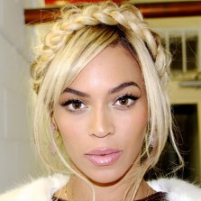beyonce-does-the-wrap-around-plait-trend-plait-hairband-celebrity-hair-trend