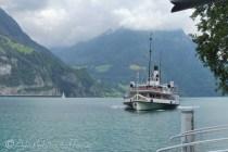 17 Paddle steamer arriving
