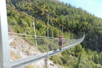 21 Karl and Sarah on the bridge