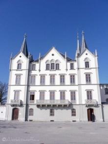 3-chateau-de-laile-vevey