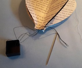 DIY Friday – Bookish air balloon mobile 20