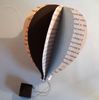 DIY Friday – Bookish air balloon mobile 22