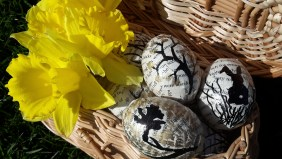 DIY Friday – Bookish Easter eggs 16