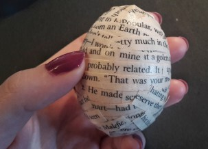 DIY Friday – Bookish Easter eggs 8