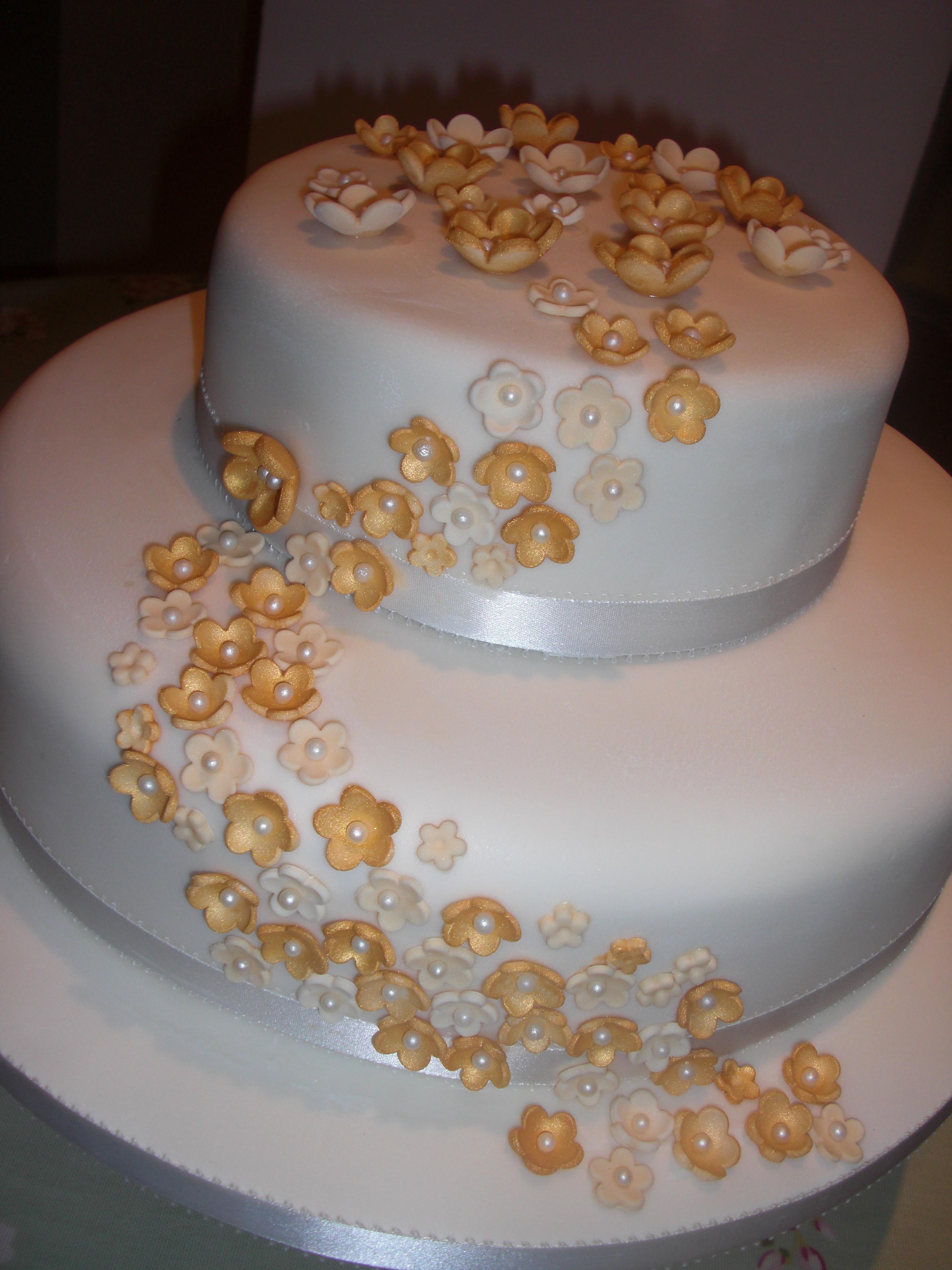 Golden Wedding Anniversary Cakes