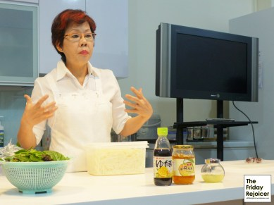 Preparation of Korean Pear Salad