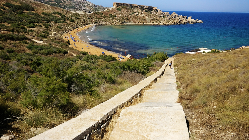 About Malta - The islands - Sandy beach Ghajn Tuffieha-bay