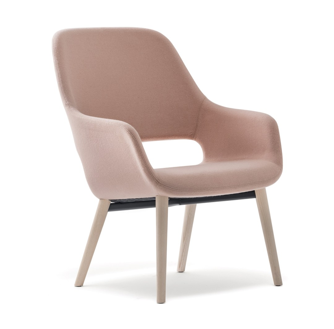 Babila Comfort armchair by Pedrali | Millennial pink ideas for your perfect home