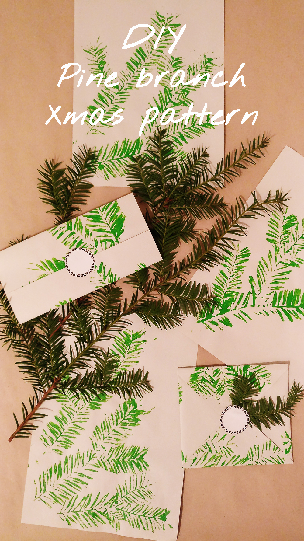 DIY Christmas gift pattern with pine branch - with free printables | Aliz's Wonderland