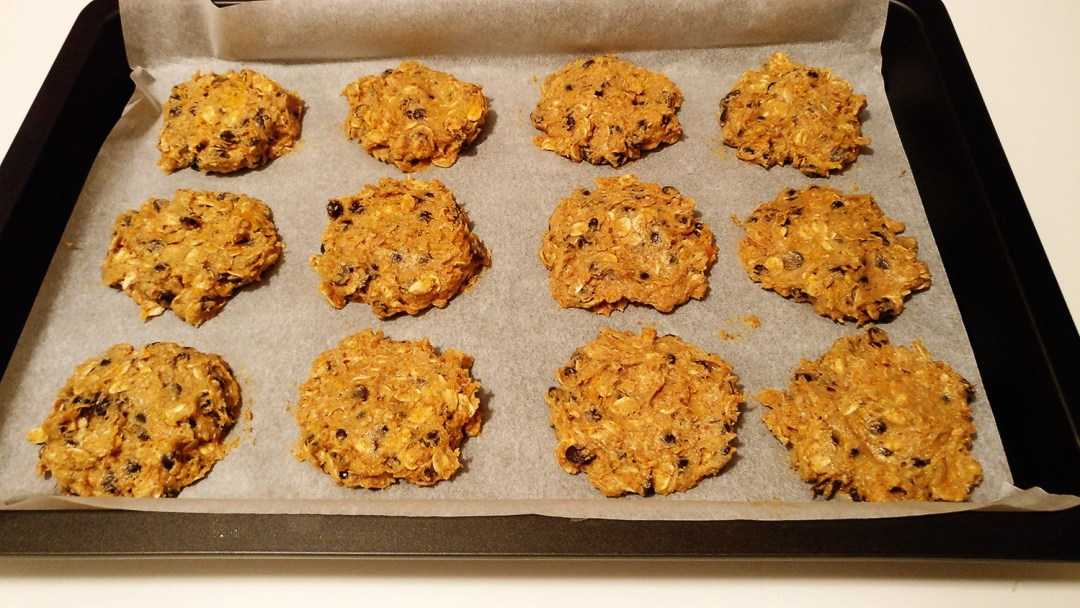 Pumpkin cookie with chocolate chips, butternut squash, oats, cinnamon, clove and honey | Aliz's Wonderland