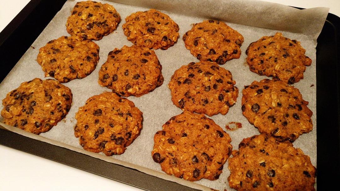 Pumpkin cookie with chocolate chips, butternut squash, oats, cinnamon, clove and honey | Aliz's Wonderland