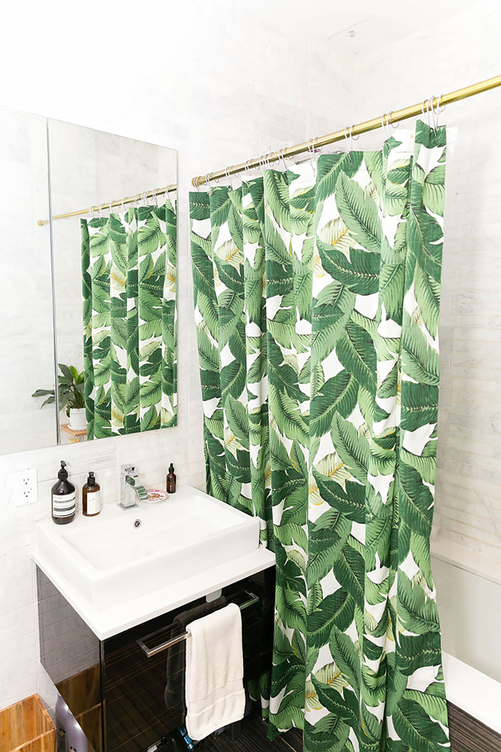 Tropical plant banana palm leaves bath curtain - Bathroom with banana leaves- Transform your home into a tropical paradise | Aliz's Wonderland