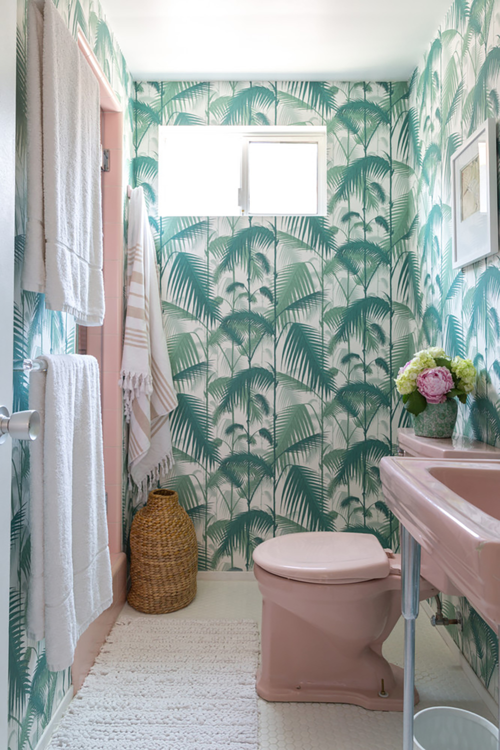 Fanned Fronds on anthropologie - Tropical wallpaper - Transform your home into a tropical paradise | Aliz's Wonderland