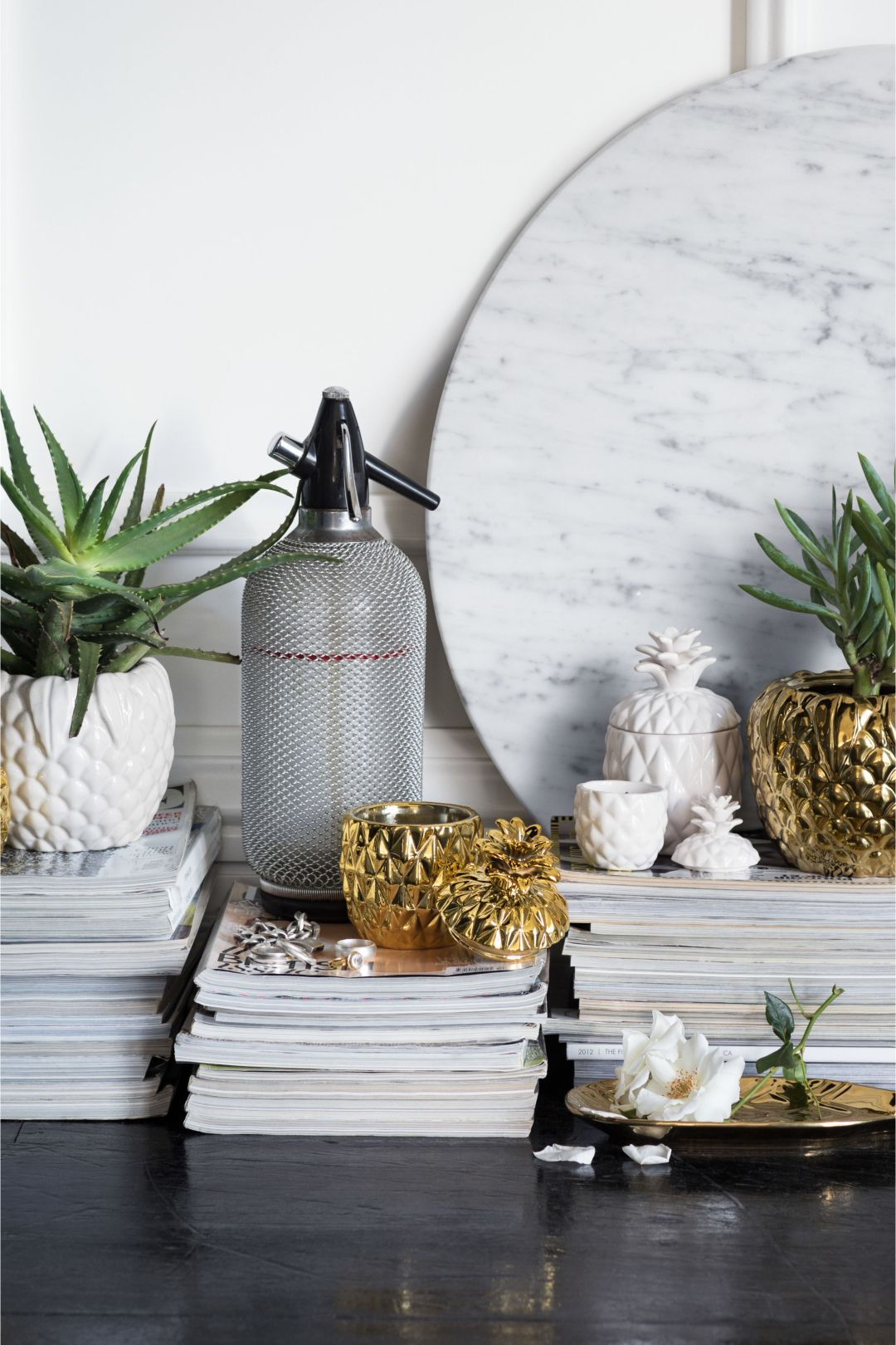 Pineapple ceramic holder by H&M Home - Accessories for your urban jungle - Transform your home into a tropical paradise | Aliz's Wonderland
