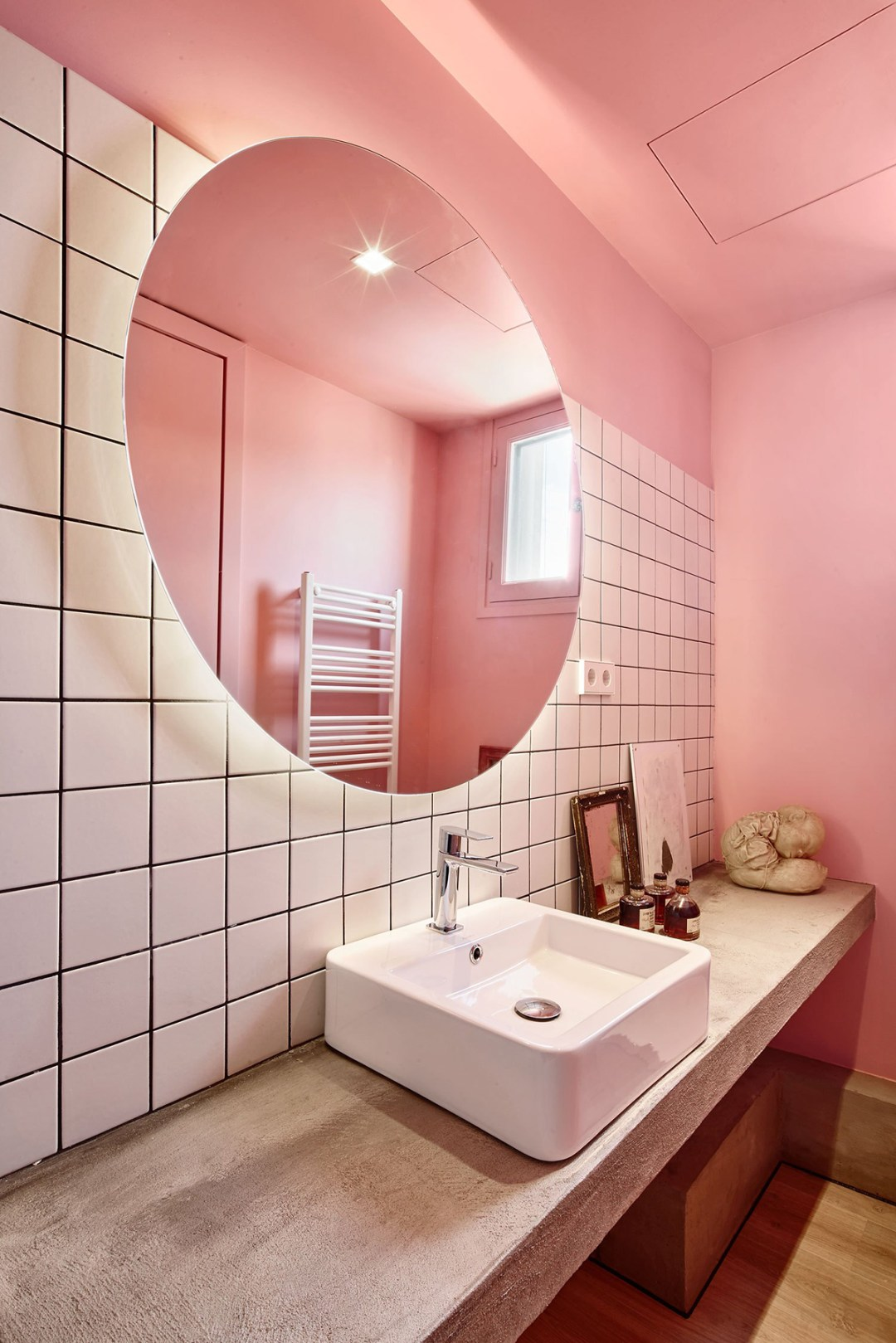Modern Spanish pink bathroom - Warm up your home with pink wall colour | Aliz's Wonderland