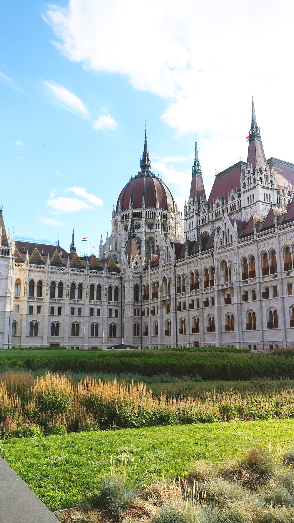 Hungarian Parliament - 40 reasons to fall in love with Budapest | Aliz's Wonderland