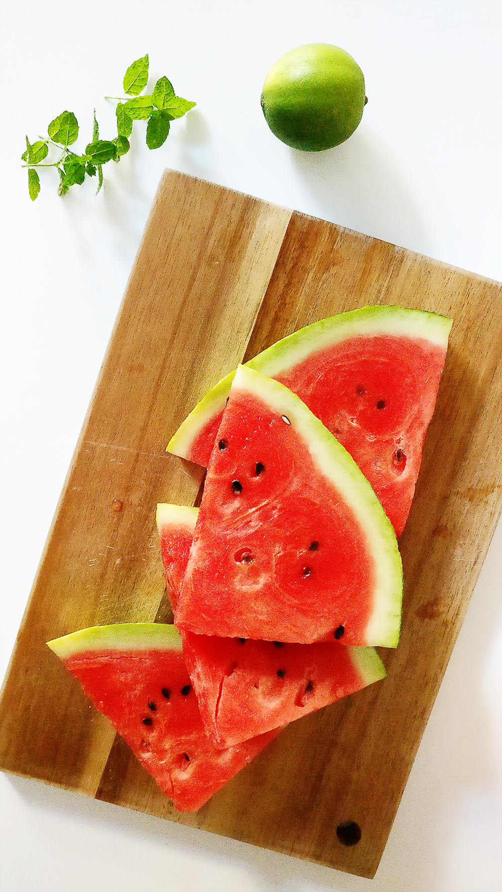 Easy 3-ingredient watermelon smoothie | Aliz's Wonderland