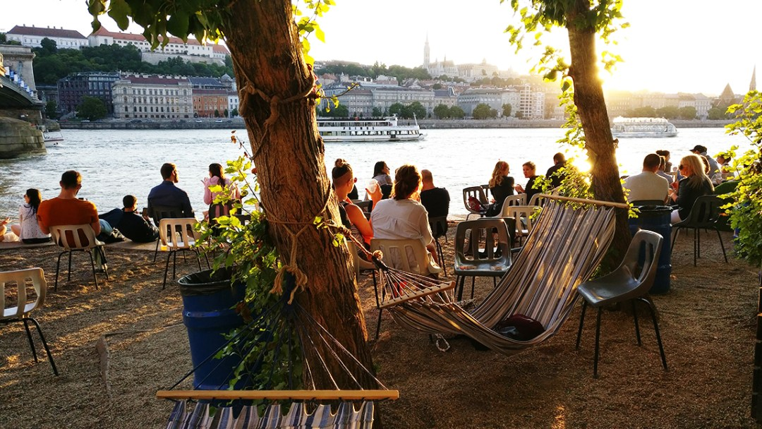 Pontoon - A local's travel guide to Budapest, Hungary - How to get to Budapest? Where to stay? What to do? Where to eat? | Aliz's Wonderland #Budapest #travelguide #Budapestguide
