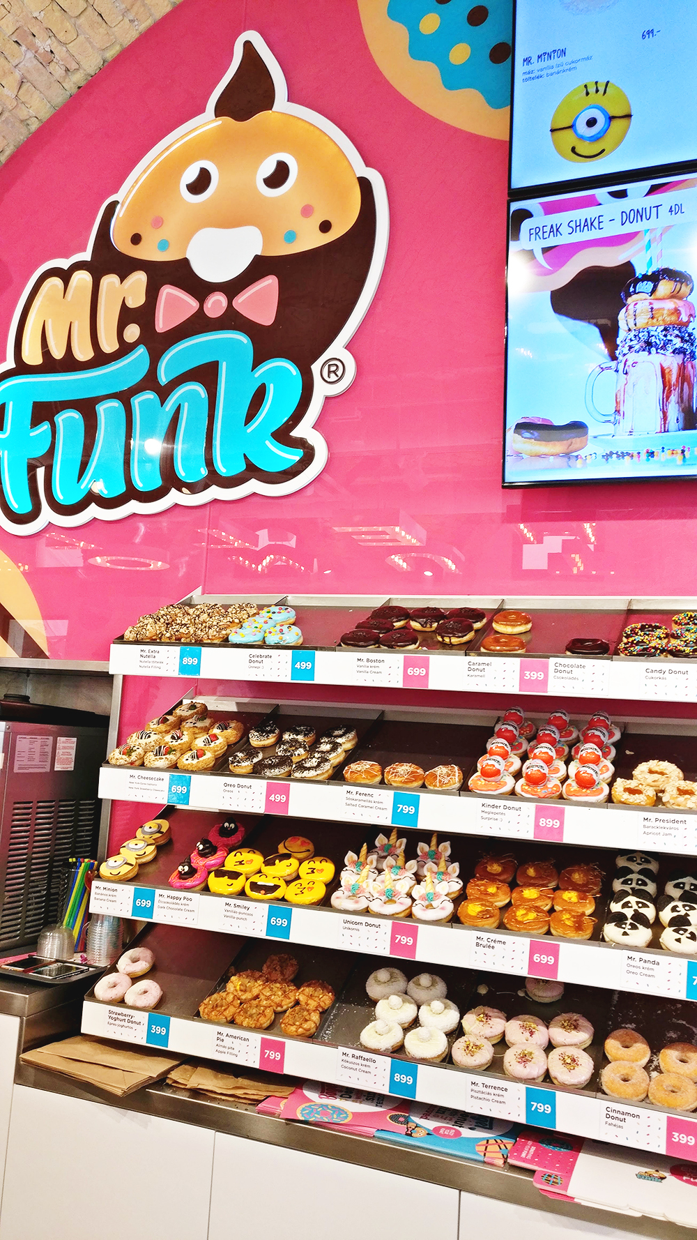 Magical donut selection in Mr Funk - Unicorn and rainbow food guide to Budapest, Hungary | Aliz's Wonderland #unicorn #unicornfood #budapest #rainbowfood #budapestfood