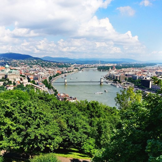 Climb up Gellért Hill - Budapest bucket list - Top things to do in Budapest | Aliz's Wonderland #travel #Budapest #bucketlist #Budapestbucketlist #printable