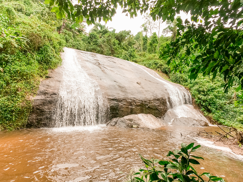 1st drop of Cachoeira 3 tombos - How to spend 3 days in Ilhabela, Brazil? | Aliz's Wonderland