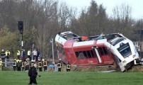عشرات الجرحى في حادث اصطدام شاحنة حليب بقطار ركاب شمال هولندا