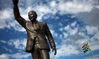 """زوما ينسف أحلام مانديلا .. و""""المخاطر"""" تتربص بجنوب إفريقيا"""