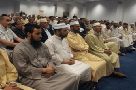 398 واعظا ومشفعا مغربيا يلتحقون بأوروبا لإحياء ليالي رمضان