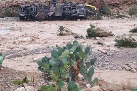 فاجعة الراشدية، حصيلة السيول مصرع 6 ركاب و27 جريح ومفقودين