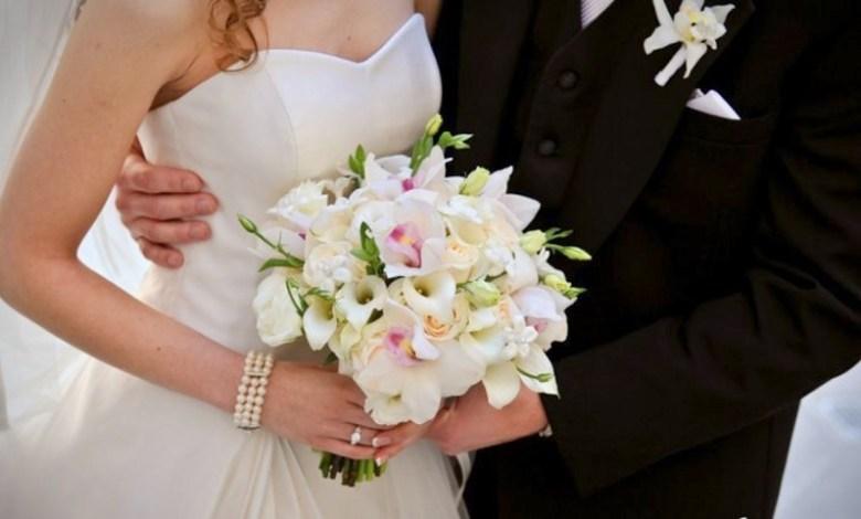 متحصلة على الحزام الأسود في الكاراتيه: عروس تعتدي بالعنف الشديد على زوجها في يوم الزفاف!