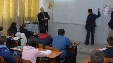 Photo of نقابة المعلمين: استقالة و تقاعد 100 ألف معلم خلال الحرب في سوريا