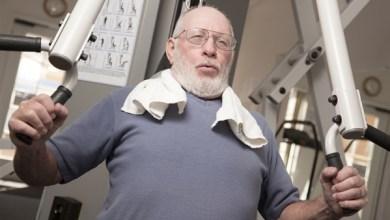 Photo of دراسة: فقدان الوزن يضر بعظام كبار السن
