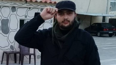 "Photo of بطل سوري يروي تفاصيل عملية تحريره الأسرى من سجن ""الكوبرا"" وعودته من الموت بعد عامين"