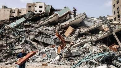 Photo of بعد دخول التهدئة حيز التنفيذ .. انتشال جثامين 9 شهداء بينهم طفلة من تحت الأنقاض في غزة