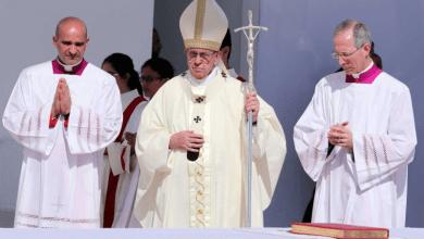 "Photo of البابا فرنسيس يطلق ""ماراتون صلاة"" من أجل انتهاء جائحة كورونا"